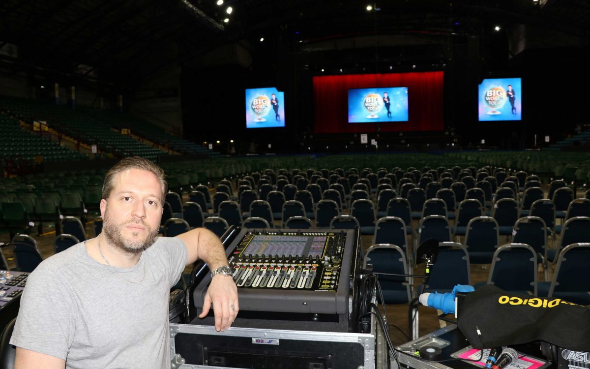 Michael McIntyre's Big World Tour One Man, One Mic And An SD11